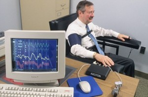 AN4X6G Computer polygraph test lie detector test display on computer monitor Criminal Bureau of Investigation Ohio USA police crime