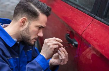How is it beneficial to hire a car locksmith?