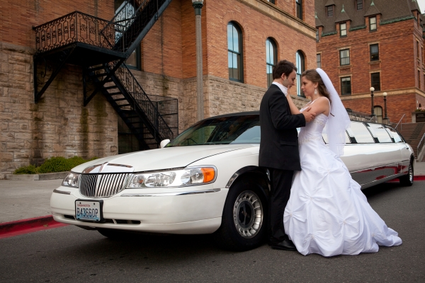 The Benefits of Hiring A Limousine Service